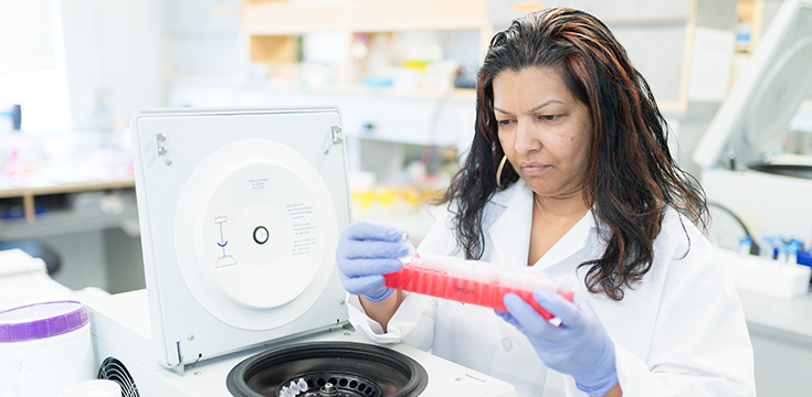 woman researcher in lab