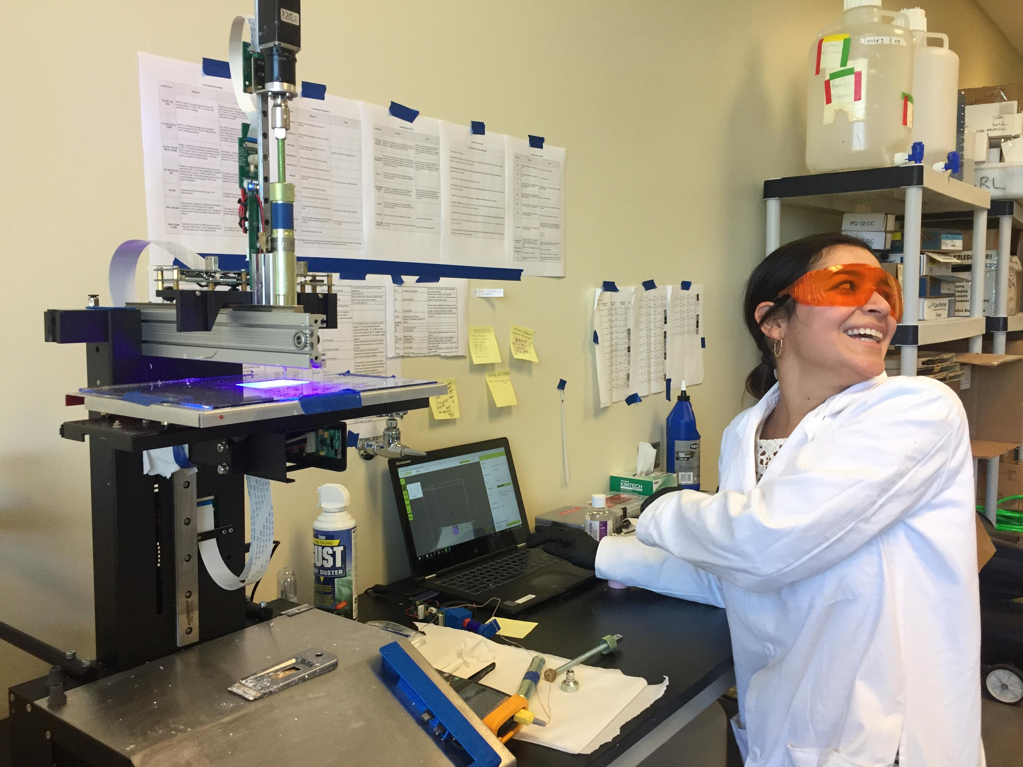 SAMD student in lab